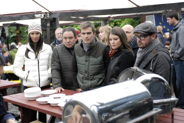 TOP CHEF -- Episode 1014 -- Pictured: (l-r) Padma Lakshmi, Emeril Lagasse, Hugh Acheson, Gail Simmons, Sean Brock -- (Photo by: David Moir/Bravo)